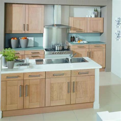 cuisine contemporaine bois cuisine moderne en bois massif rm24 jornalagora