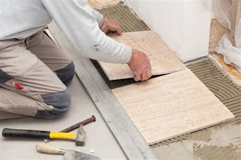 comment enlever un carreau de carrelage comment remplacer un carreau de carrelage diy faites le vous m 234 me avec mr bricolage