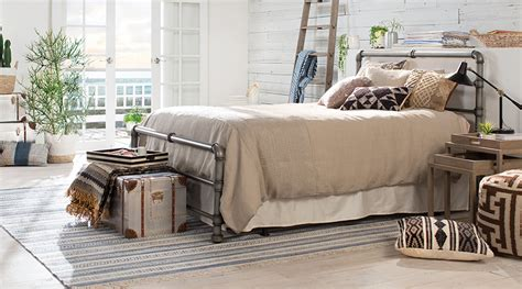 How To Create An Industrial Chic Bedroom