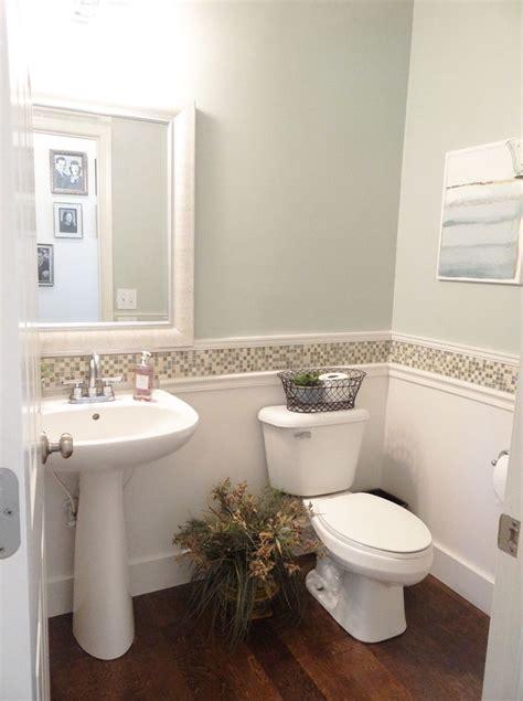 tips  ideas  improve  small bathroom storage