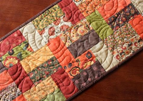 fall thanksgiving pumpkin quilted table runner colors
