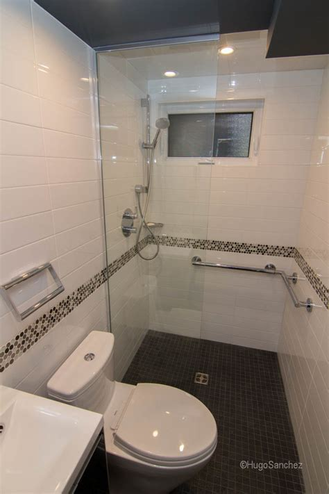 Bathroom Designs Small by Small Bathroom Design C 233 Ramiques Hugo Inc