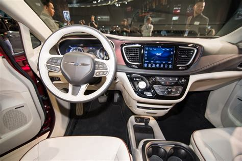 2017 Chrysler Pacifica Minivan From The 2016 Detroit Auto