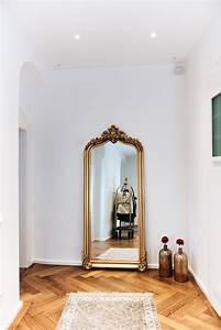 Spiegel Flur Groß : interior unsere m bel im flur mit hotel gep ckwagen ~ Sanjose-hotels-ca.com Haus und Dekorationen