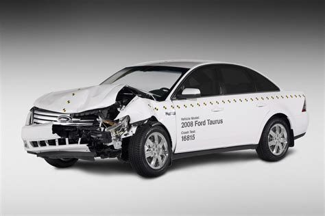 siege auto crash test ford taurus crash test car photo gallery autoblog