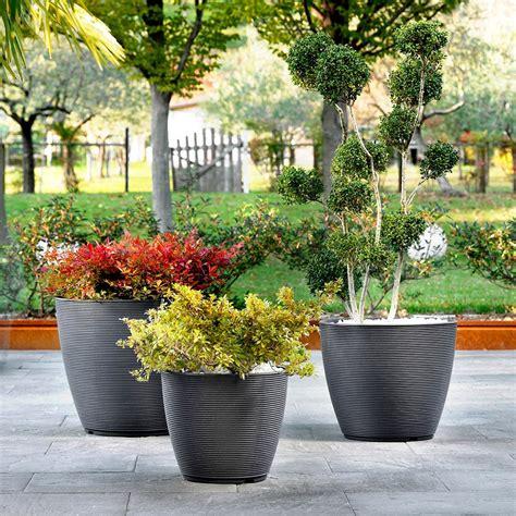 vaso in resina vaso design per esterno e giardino in resina