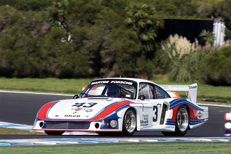 vintage porsche racing race car classic racing porsche martini 2667x1779