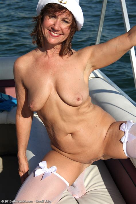 Allover Free Com Introducing Year Old Lynn From