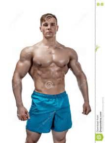 Image Homme Musclé : image d 39 homme de muscle posant dans le studio image stock image du fitness calories 74135145 ~ Medecine-chirurgie-esthetiques.com Avis de Voitures
