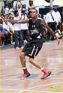 Full Sized Photo of chris brown plays basketball at the ...