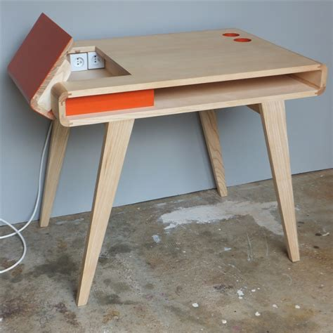 bureaux en bois bureau rétro contemporain en bois kolorea orange atelier