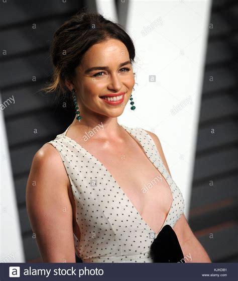 Emilia Clarke Nimmt Die