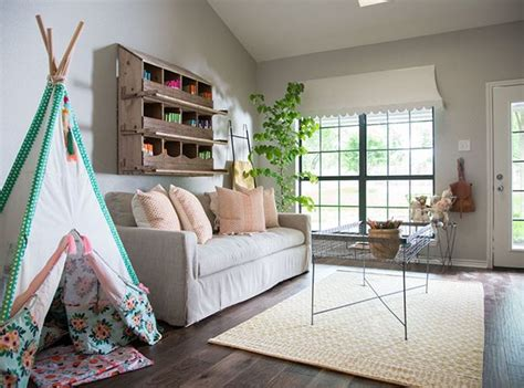 Joanna Gaines Bedroom Design Ideas by 15 Of Joanna Gaines Best Room Decorating Ideas In