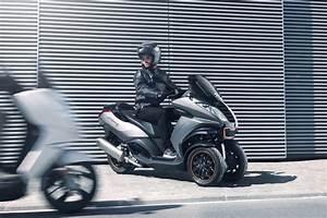Peugeot Metropolis 400 : peugeot metropolis 400 price specs review pics ~ Medecine-chirurgie-esthetiques.com Avis de Voitures