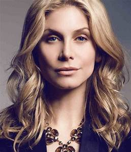 lost alumna elizabeth mitchell is reuniting with the abc ...