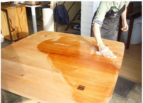 protection plan de travail bois cuisine huile pour bois naturelle spéciale plan de travail kunos