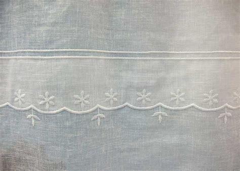 petit rideau blanc perce neige petit rideau pret  poser