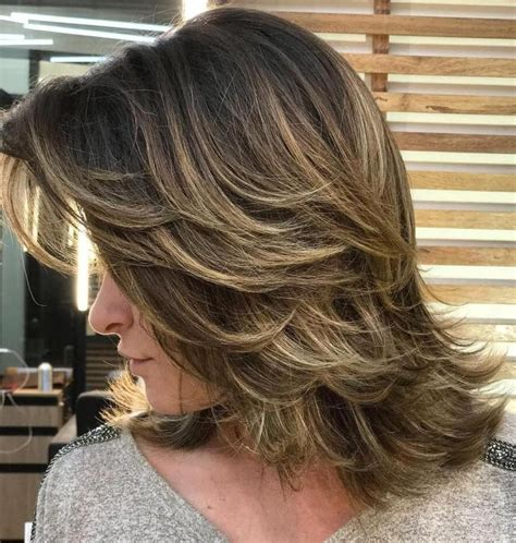 2019 medium feathered haircuts for thick hair