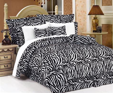 Zebra Bedroom Decor by Room Decor With Zebra Room Decorating Ideas Home