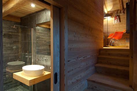 chambre style montagne chalet maj contemporain salle de bain grenoble par