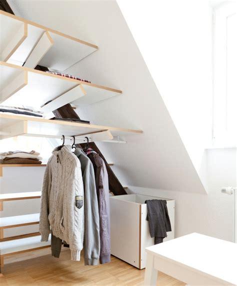 d馗o chambre sous pente 1001 idée pour un dressing sous pente gain de place