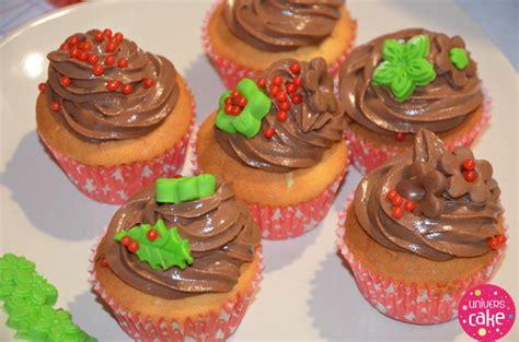 deco noel pate a sucre d 233 coration cupcakes de no 235 l en sucre chocolat univers cake