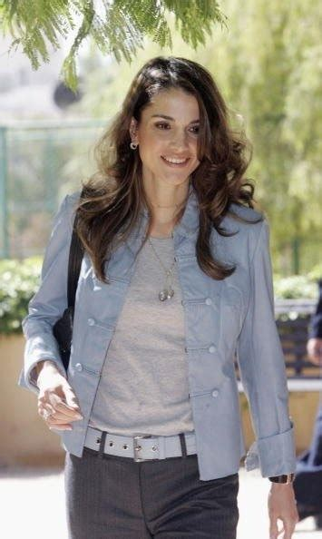 38 best images about Carla   Queen Rania Styles on Pinterest   Business dresses Queen love and ...