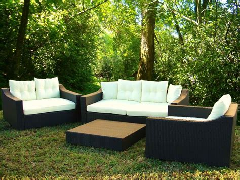 contemporary outdoor furniture with simple design to
