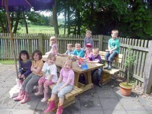 Sitzgruppe Kinder Garten : dorfversch nerung b rgerverein lebendiges landolfshausen e v ~ Orissabook.com Haus und Dekorationen