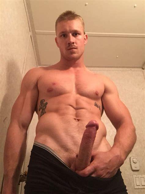 Athletic Guy Paulxxx Goes Nude On Cam Show • Mrgays