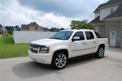 Buy Used 2009 Chevrolet Avalanche Ltz White Diamond 1