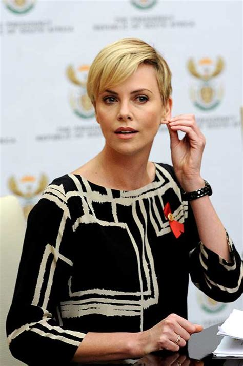 charlize theron pixie cuts short hairstyles