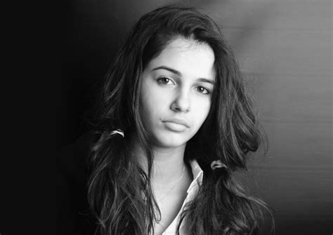 Naomi Scott Wallpapers Archives - HDWallSource.com