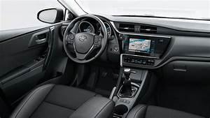 Toyota Lyon Nord : bienvenue chez toyota sivam lyon nord venez d couvrir notre gamme toyota auris touring sport ~ Maxctalentgroup.com Avis de Voitures