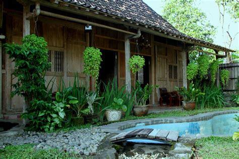 rumah sewa harian  jogja  kolam renang dekat wisata