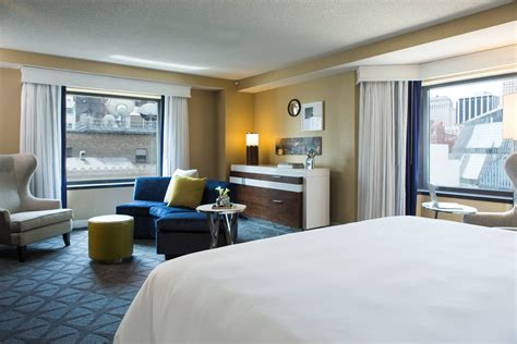 Downtown Chicago Hotel Rooms And Suites Renaissance