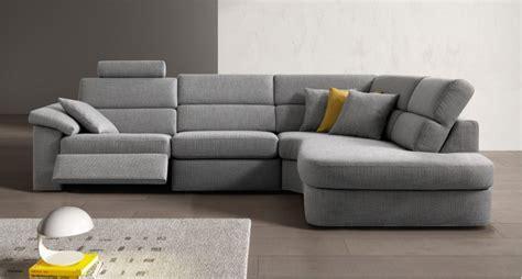 relax wall divano ad angolo anatomico con penisola angolare a goccia