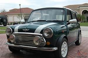 Mini Austin Cooper : 1972 green classic austin mini cooper ~ Medecine-chirurgie-esthetiques.com Avis de Voitures