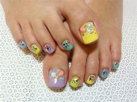 17 Beautiful & Stylish Pedicure Nail Art Ideas To Try This