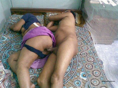 Married Bengali Bhabhi Having Sex In Blouse And Petticoat