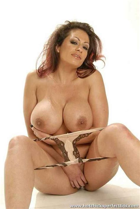 latina mature porn image 10338