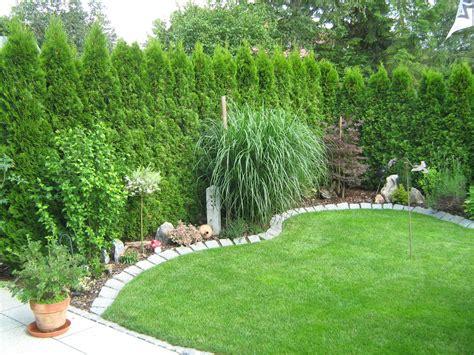 Kleinen Vorgarten Gestalten by Kleiner Garten Mit Bepflanzung Rollrasen Und Granit