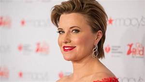 Lucy Lawless' father dies