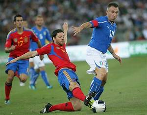 Xavi Alonso Photos Photos - Italy v Spain - International ...