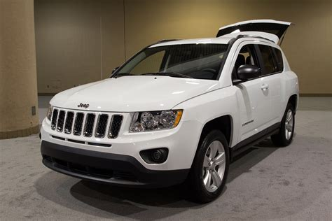 The 2012 Jeep Compass is a good looking vehicle.
