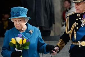 Queen Elizabeth 'love' letter sold at auction