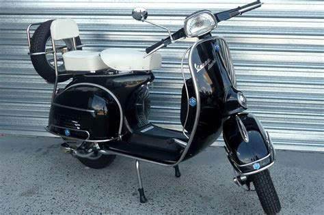 sold piaggio vespa 150 sprint scooter auctions lot 23
