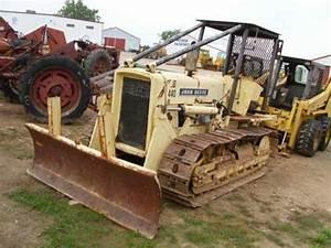 John Deere 440 Crawler