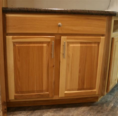 pantry kitchen cabinet cabientry commodore of indiana 1411