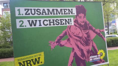 die gruenen  nrw witzbold verunstaltet wahlkampf plakat